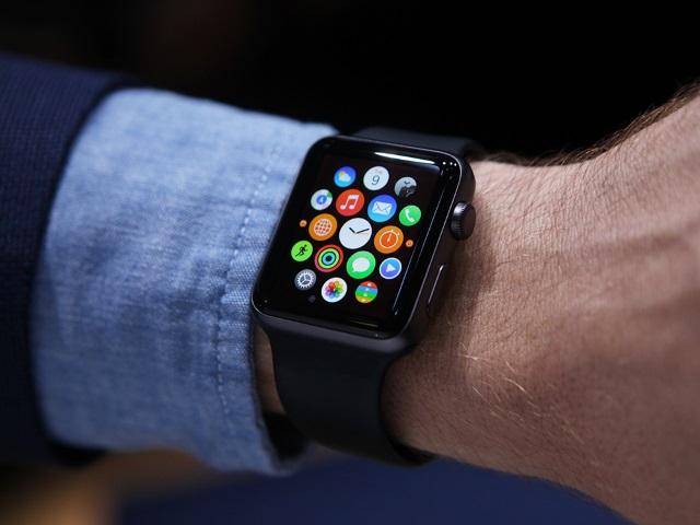 Более 2000 приложений для Apple Watch водном месте