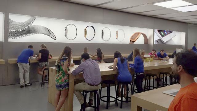 Apple освежит внешний вид магазинов Apple Store «живыми» витринами
