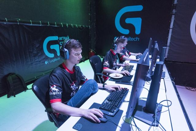 Logitech G и Team Empire