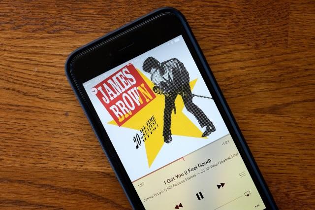 Как посмотреть прогресс загрузки музыки изApple Music?