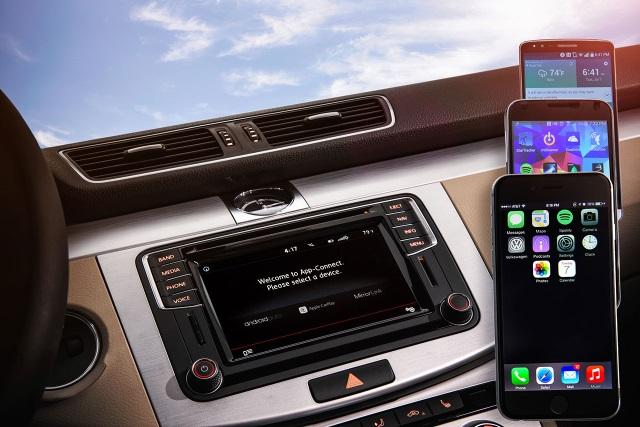Новые автомобили Volkswagen обзавелись поддержкой системы CarPlay