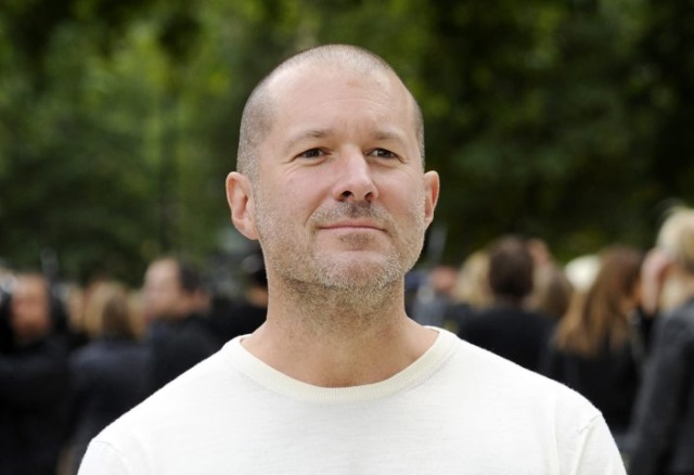 Джонатан Айв официально назначен главным директором компании Apple подизайну