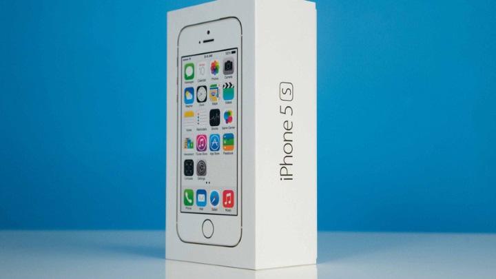 Техника в«Связном» опять подешевела— iPhone 5sпродают за21890 рублей