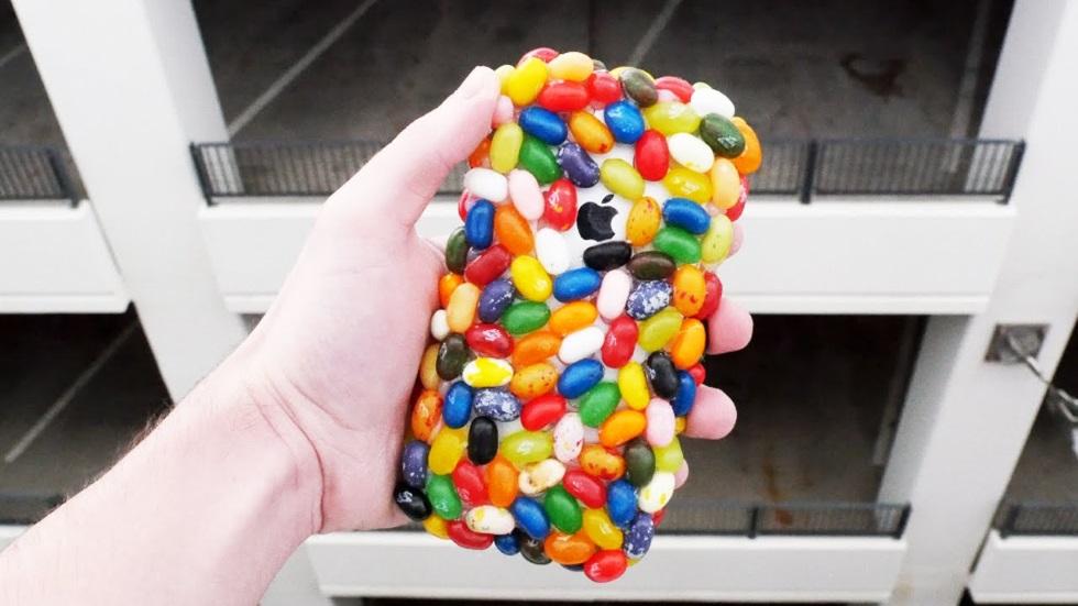 Могутли желейные бобы защитить iPhone отпадения с30метров?