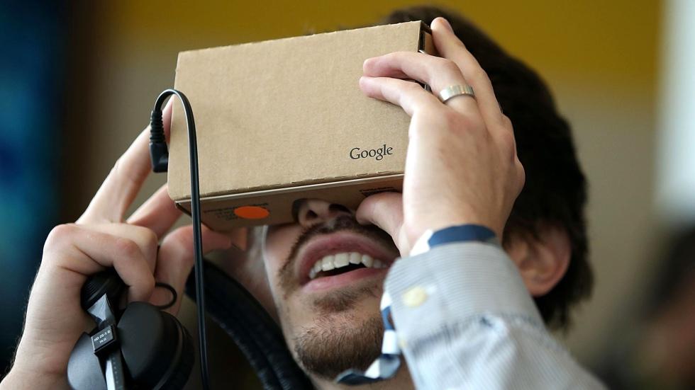 YouTube для iOS теперь с поддержкой Google Cardboard