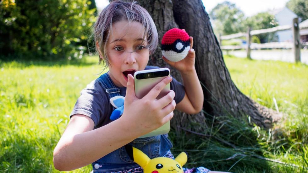 Чем опасна игра Pokemon GO