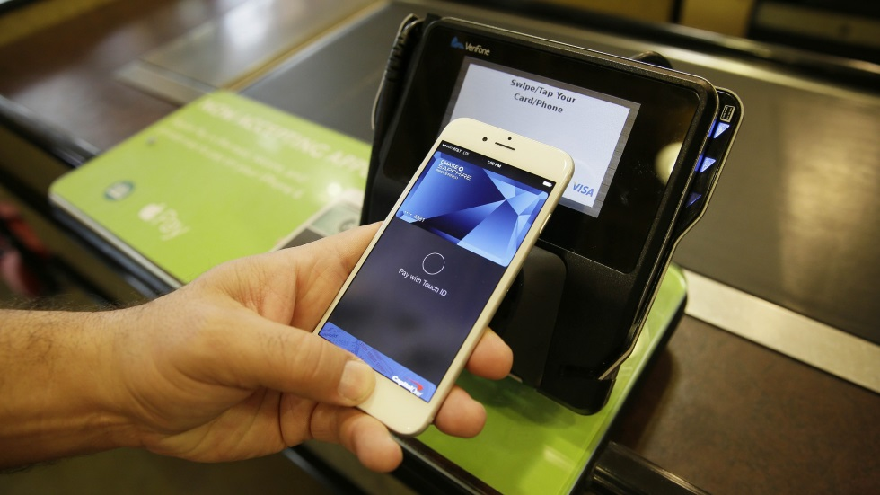 Официально: поддержка Apple Pay вРоссии появится осенью 2016 года