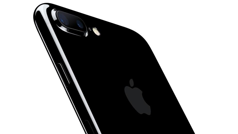 iPhone 7 — просто хуже. Рекламный ролик, но не от Apple