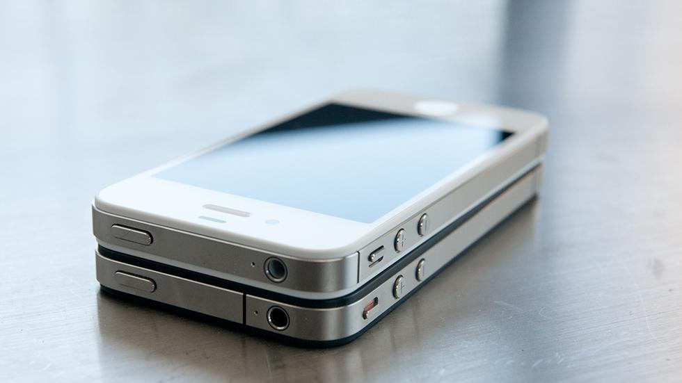 iPhone 4заработал после полутора лет надне озера