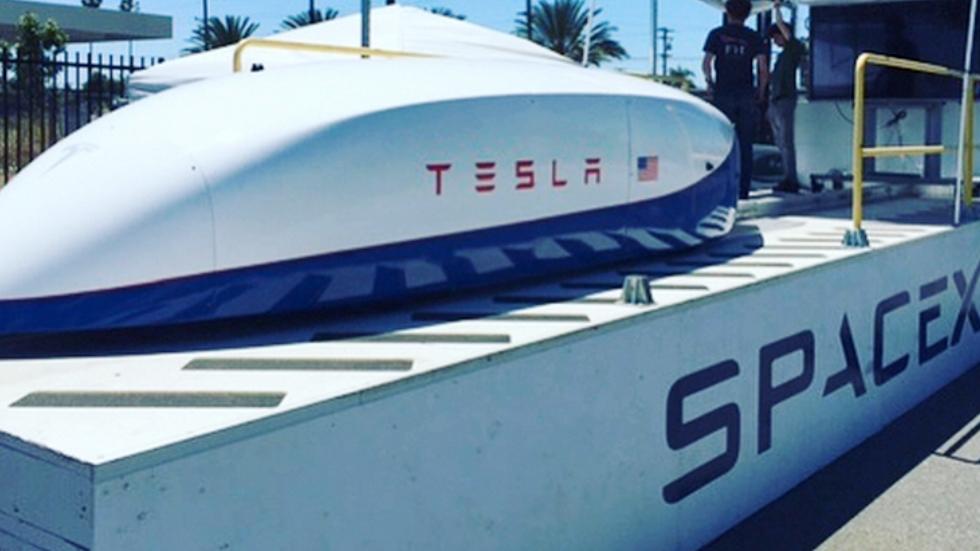 Капсула Tesla для Hyperloop разогналась до 355 километров в час
