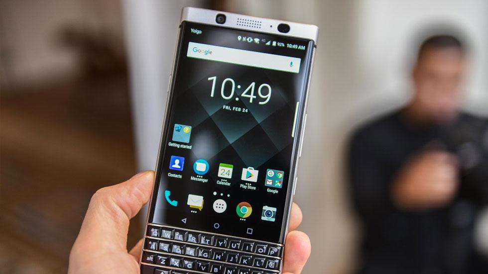 В октябре в России стартуют продажи смартфонов BlackBerry