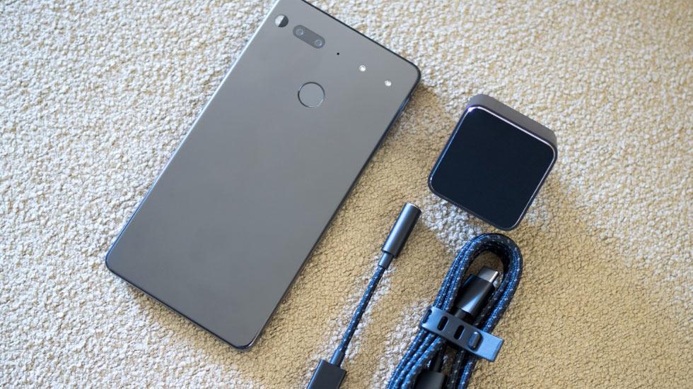 Краш-тест Essential Phone — на что способен «папа Android»