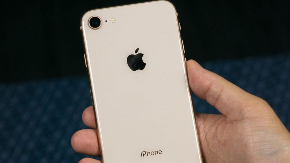 Продажи iPhone 8 стартуют только завтра, а в России уже активировано более 4 000 новинок