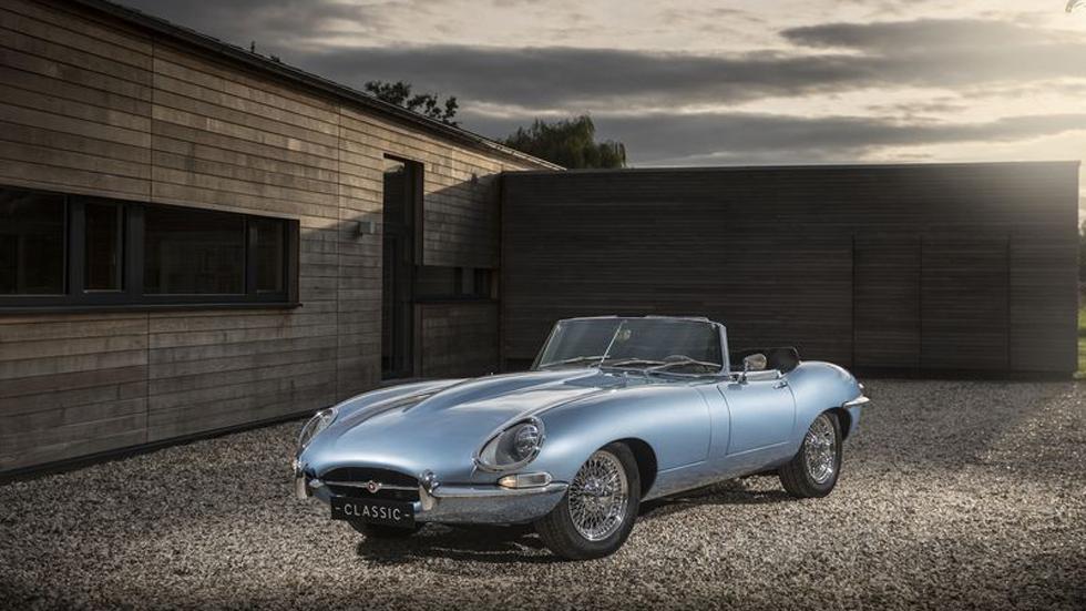 Jaguar представила E-type Zero — современный электрокар из прошлого