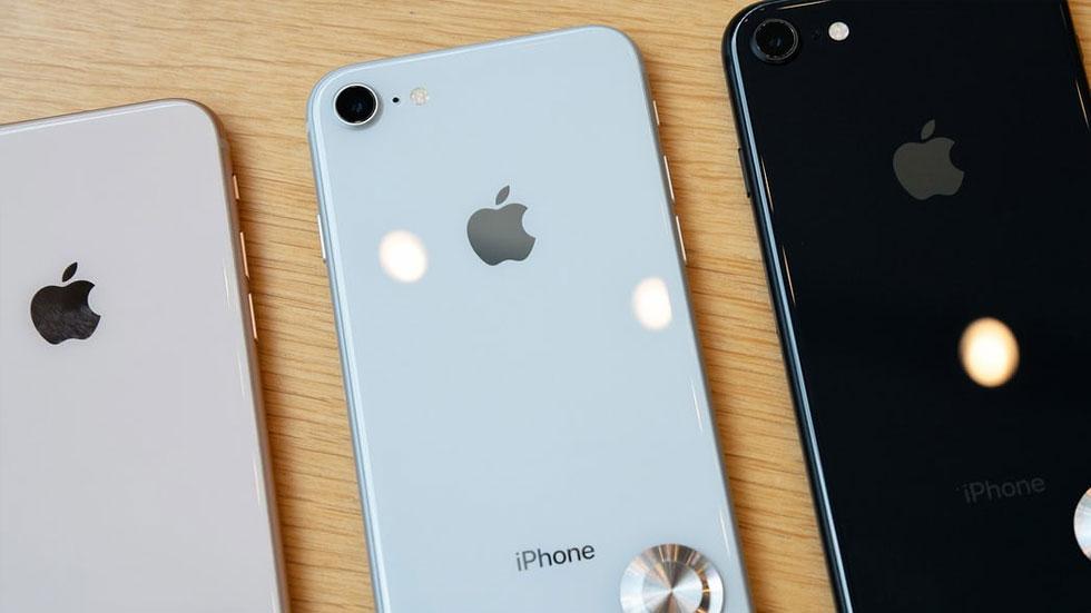 Замена заднего стекла iPhone 8 обойдется в стоимость нового iPhone SE