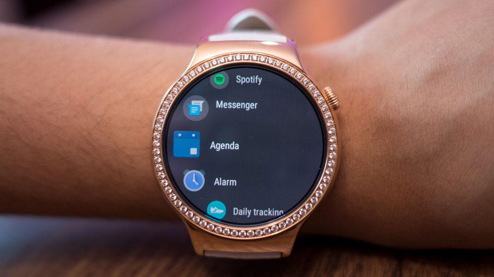 Google передумала закрывать Android Wear. Обещает полную поддержку через Google Play