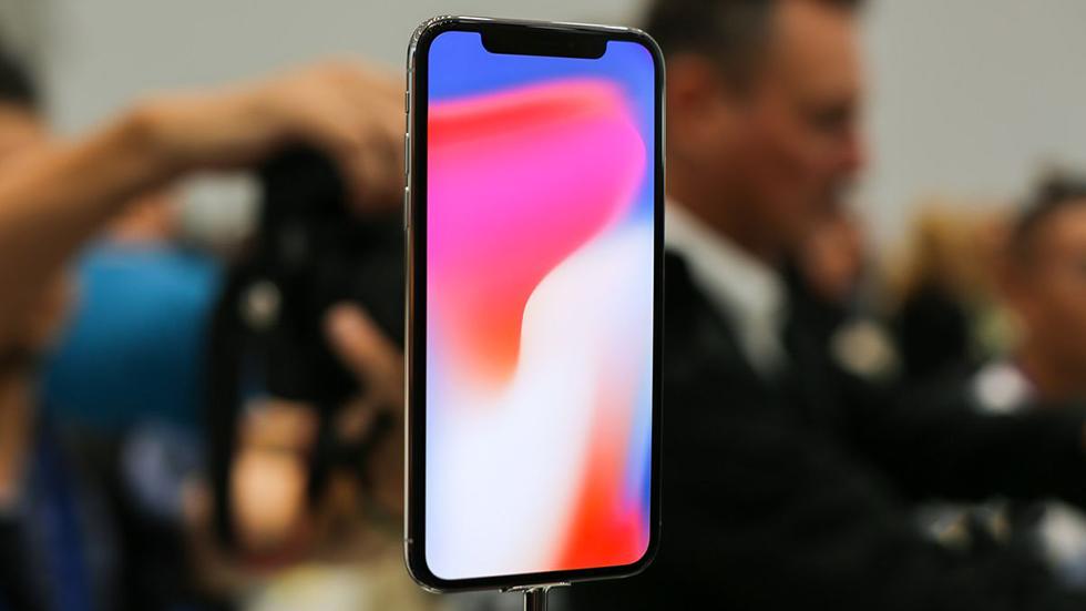 Apple посоветовала покупателям iPhone Xв России прийти вмагазины пораньше