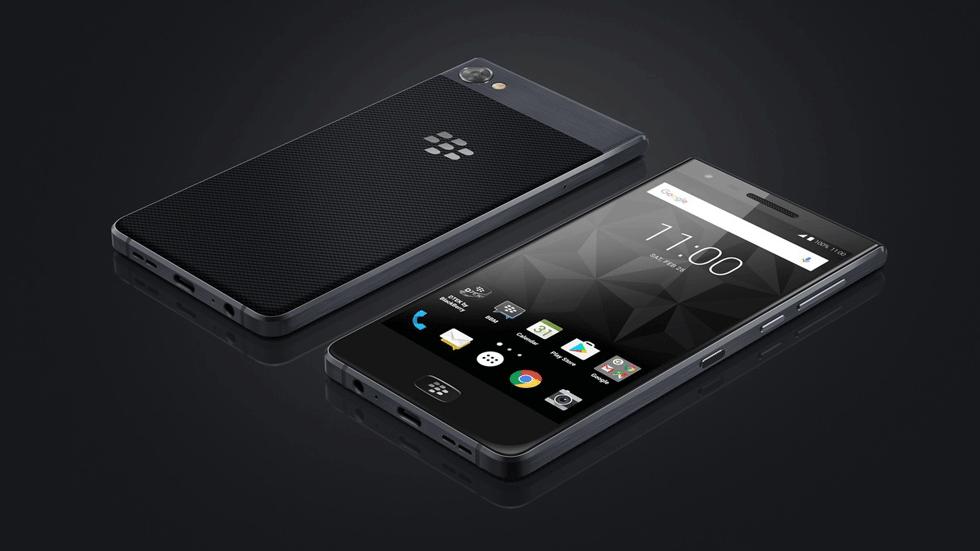 BlackBerry представила смартфон без физической клавиатуры с батареей на 4000 мАч