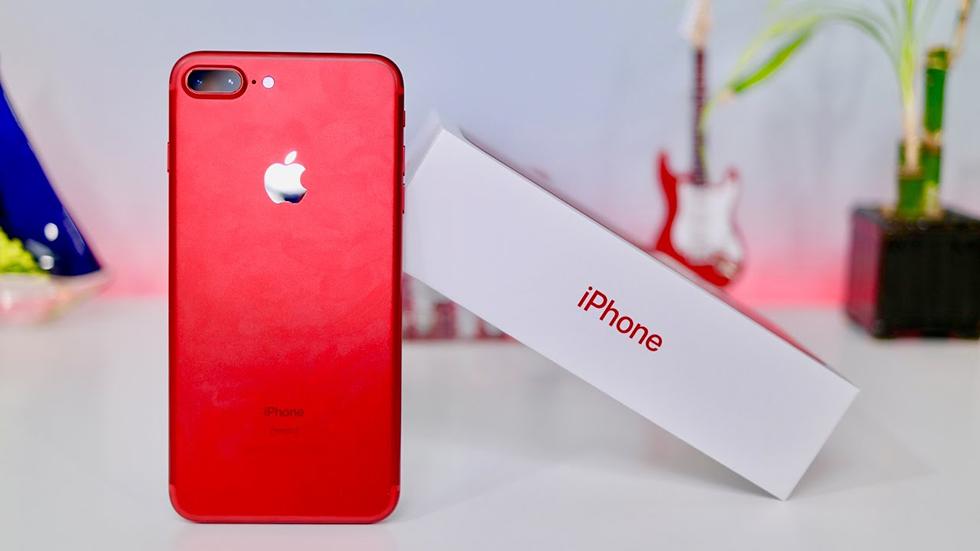Цена красного iPhone 7Plus со128ГБ памяти упала ниже психологической отметки