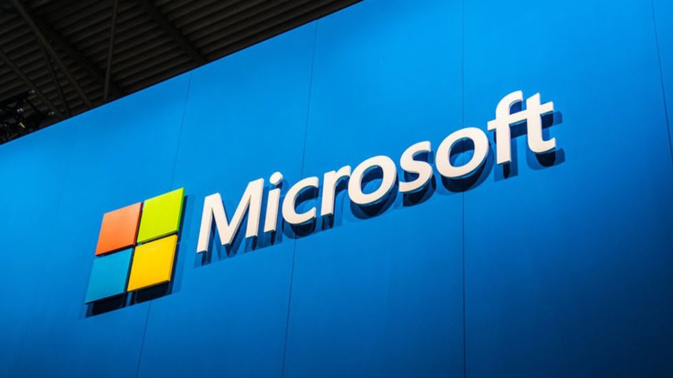 Microsoft готовит складной планшет Andromeda с Windows 10