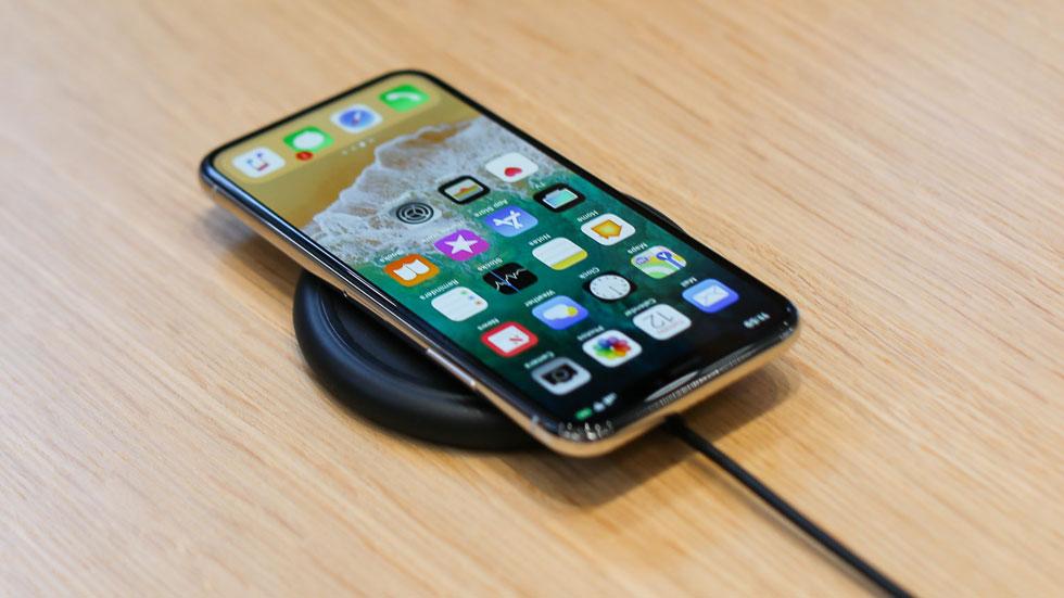 Apple опубликовала фотографию упаковки iPhone X на официальном сайте