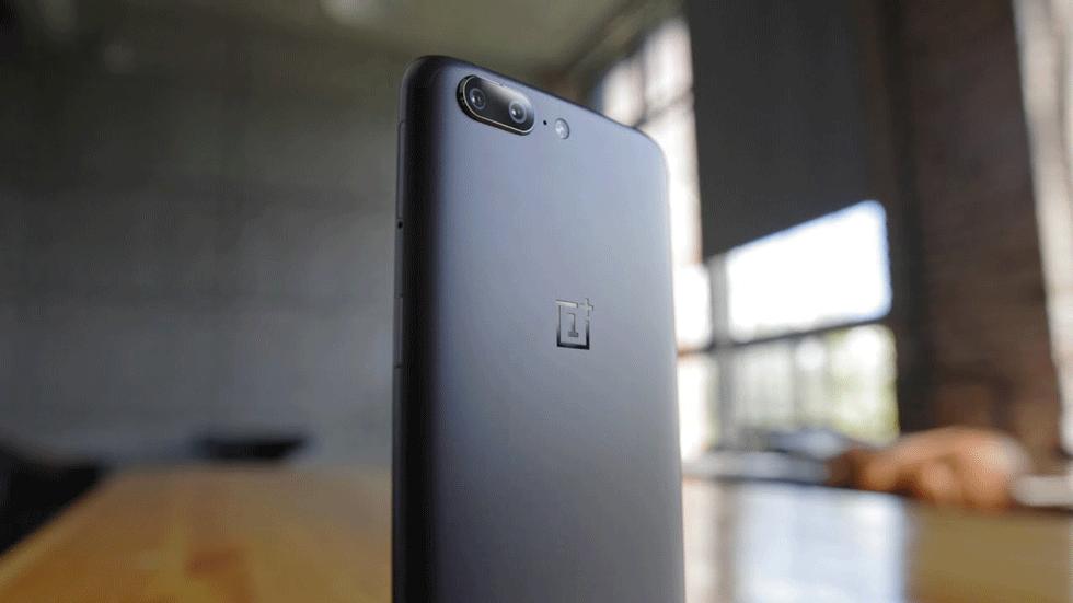 Характеристики флагмана OnePlus 5T заметили на сайте AnTuTu
