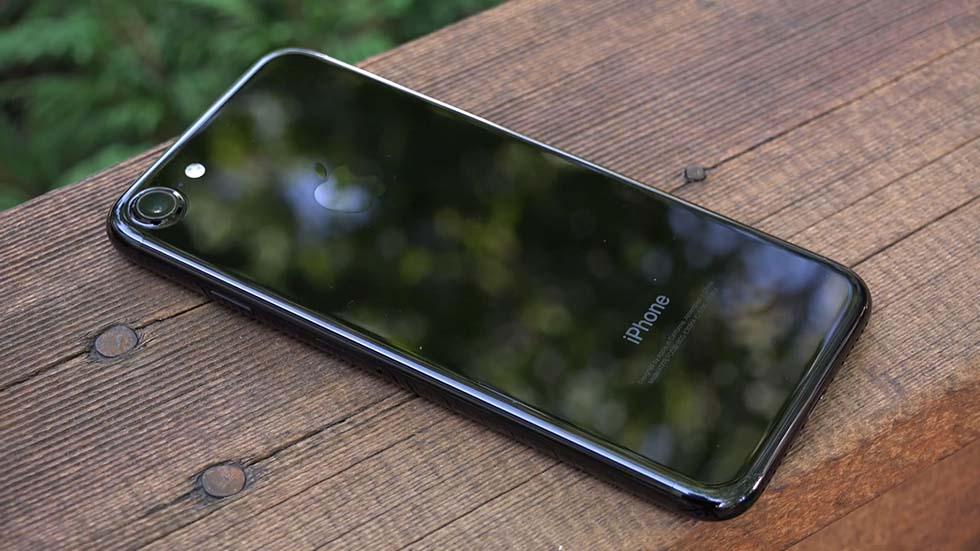 Цена iPhone 7рекордно упала вРоссии