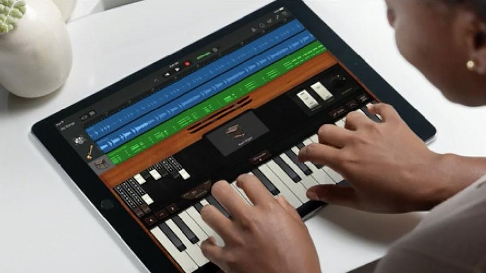 Apple представила GarageBand 2.3 с набором новых инструментов