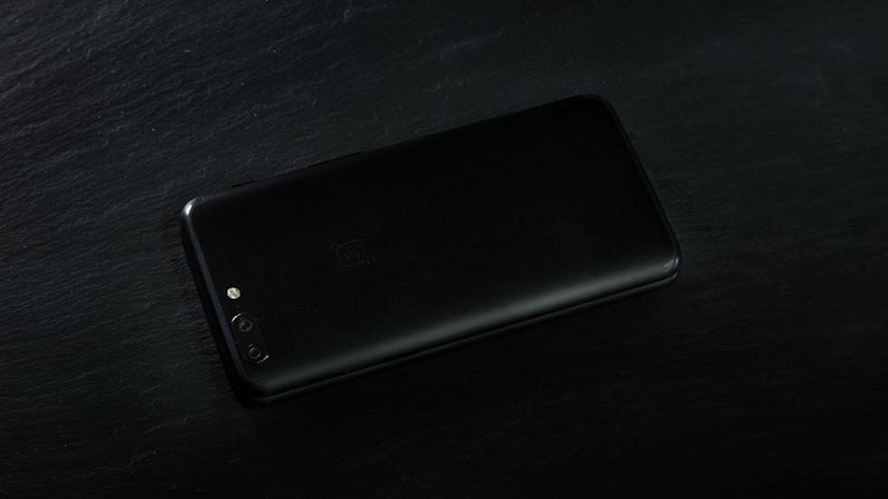 OnePlus опубликовала первый тизер OnePlus 5T