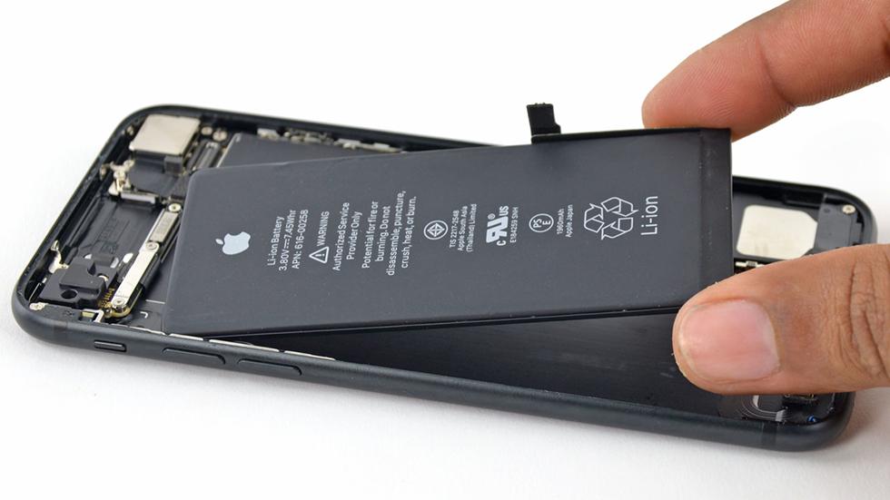 Apple может выплатить пользователям миллиарды долларов зазамедление старых iPhone