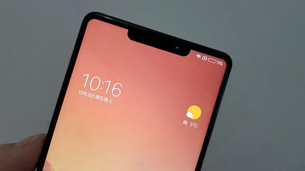 Xiaomi снова копирует Apple — теперь «монобровь» iPhone X