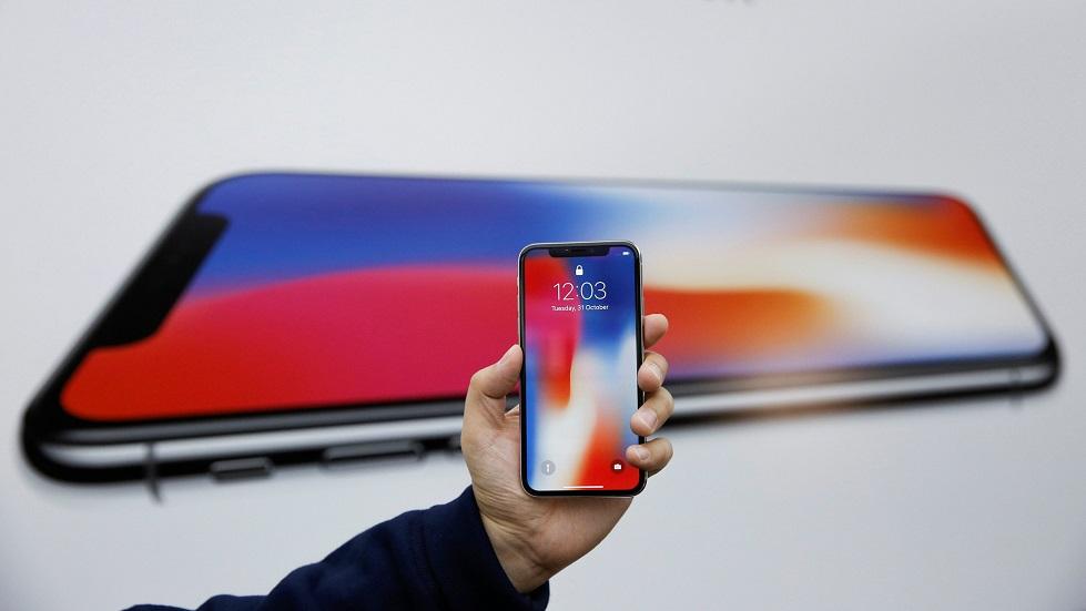 Производителей раскритиковали за «бездумное» подражание iPhone X