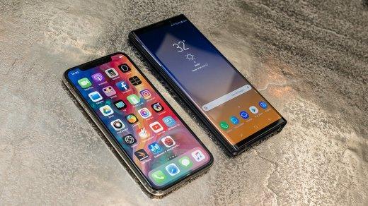 Samsung высмеяли зановую рекламу скритикой iPhone X