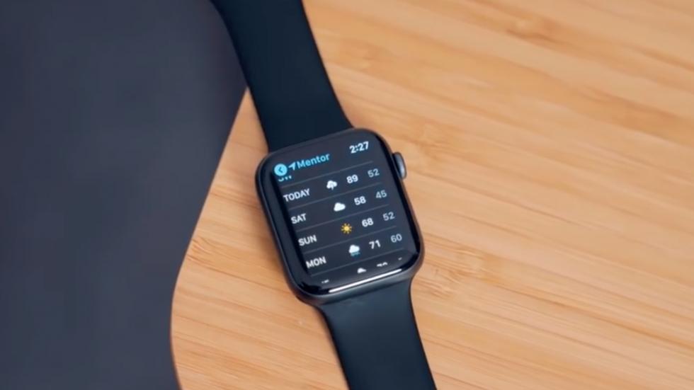 Apple Watch Series 4могут превращаться в«кирпич» из-за перевода часов