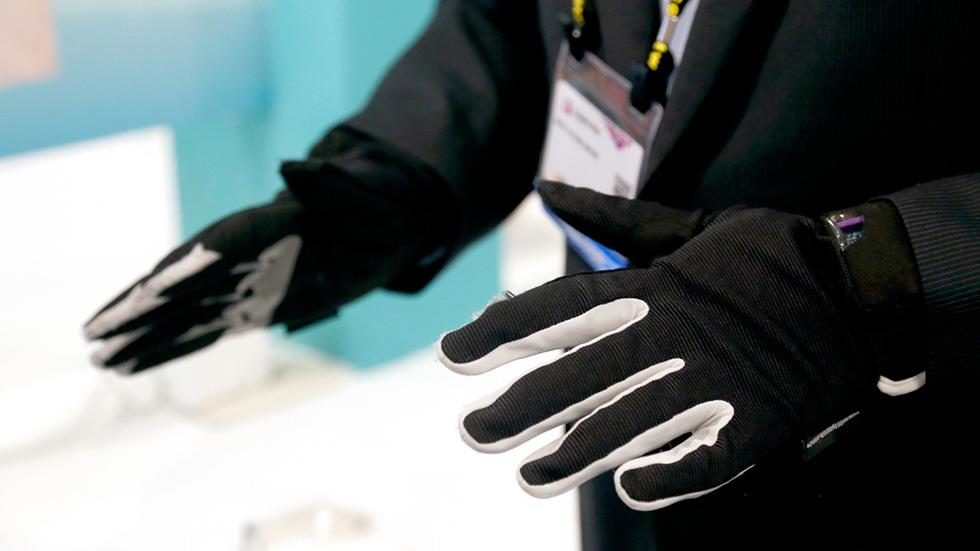 Apple изобрела «умные» перчатки