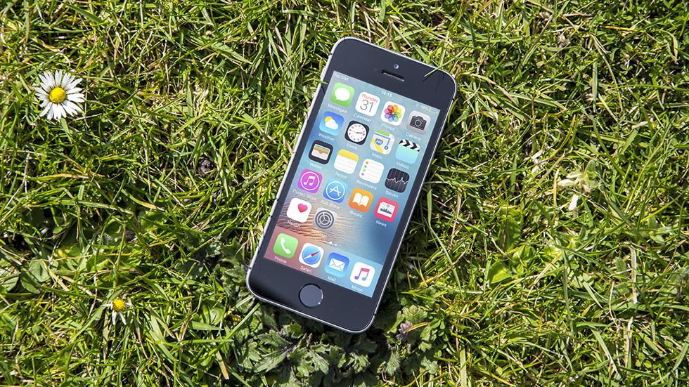 «Билайн» снизил цену iPhone SEдоминимальной в2018 году