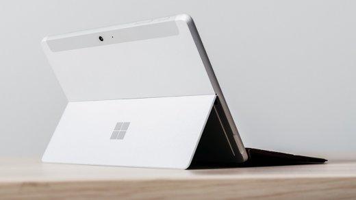 Microsoft жестко высмеяла iPad врекламе планшета Surface Go