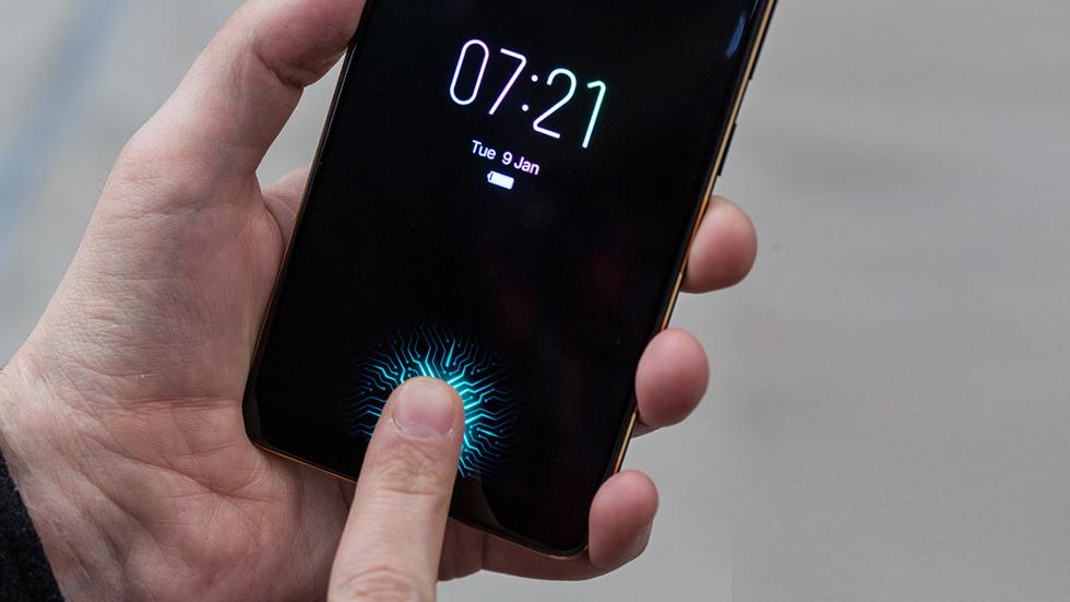 Apple что-то знала: уэкранных сканеров отпечатков пальцев проблемы