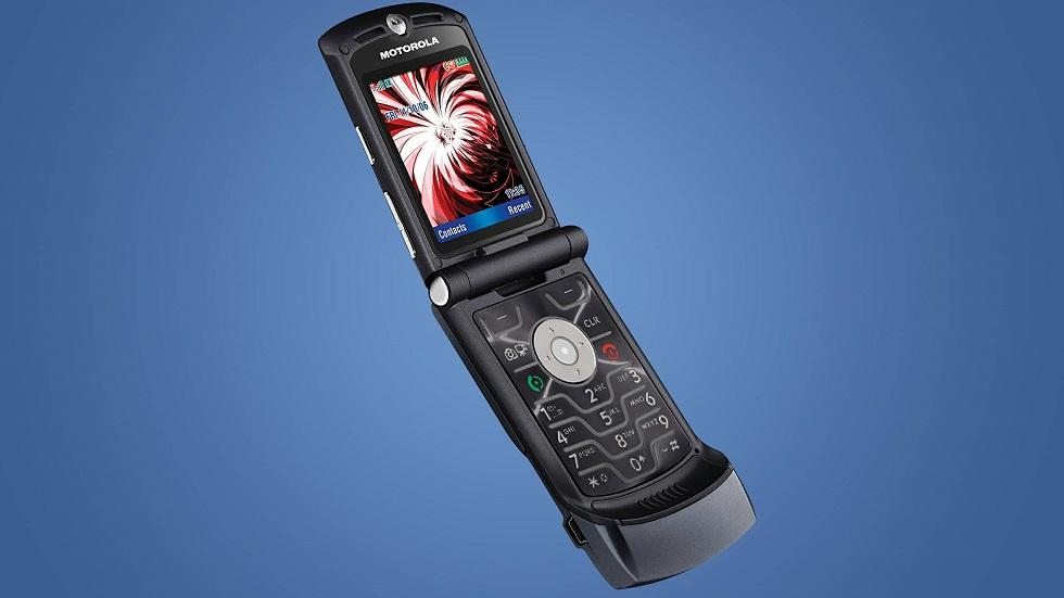 Рассекречен дизайн нового Motorola RAZR с гибким дисплеем