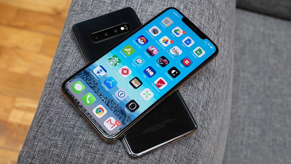 Galaxy S10 заряжает iPhone XSбыстрее штатного адаптера
