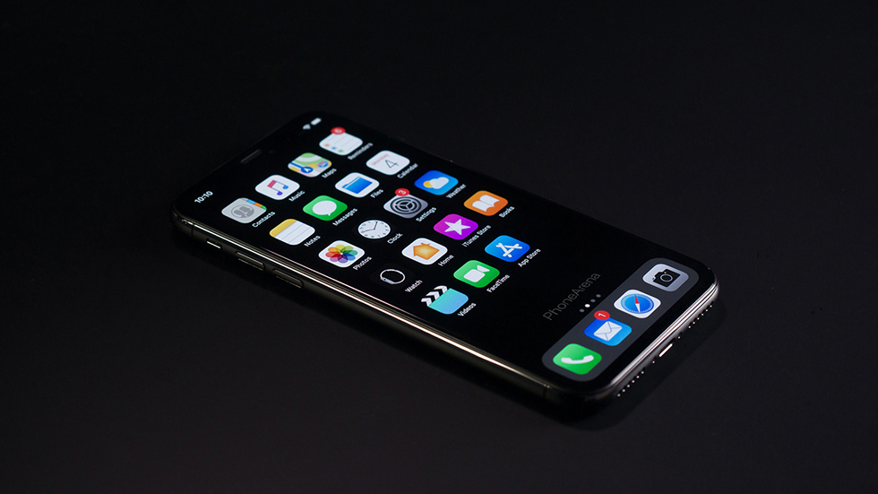 iPhone 11 (XI) с темным режимом в iOS 13 красуется на рендерах (фото)