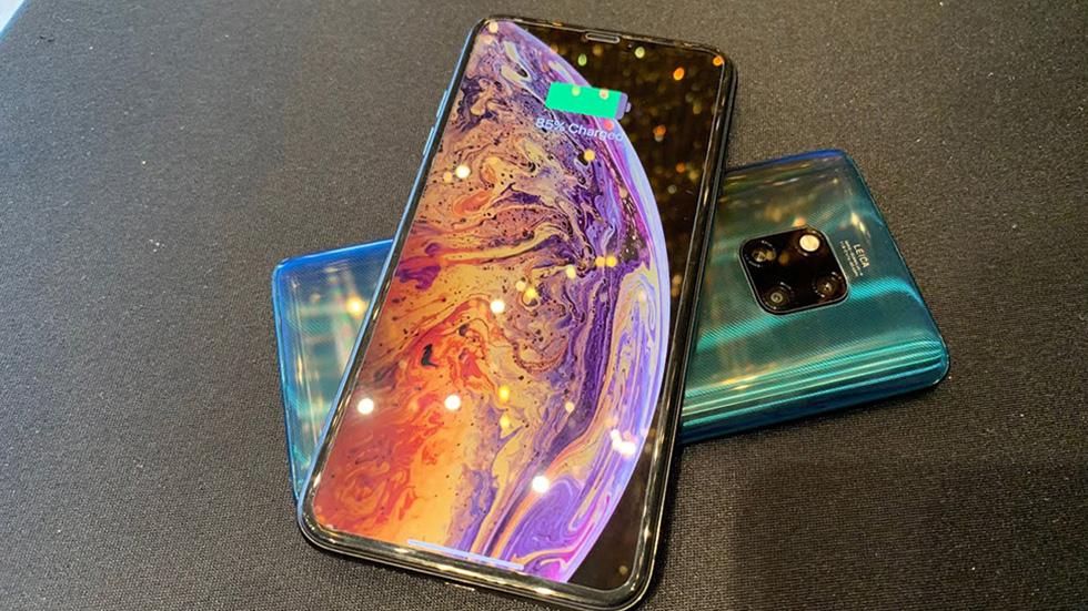 iPhone 11сможет заряжать другие устройства без проводов