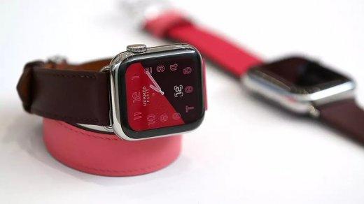 Apple Watch спасли 80-летнюю немку