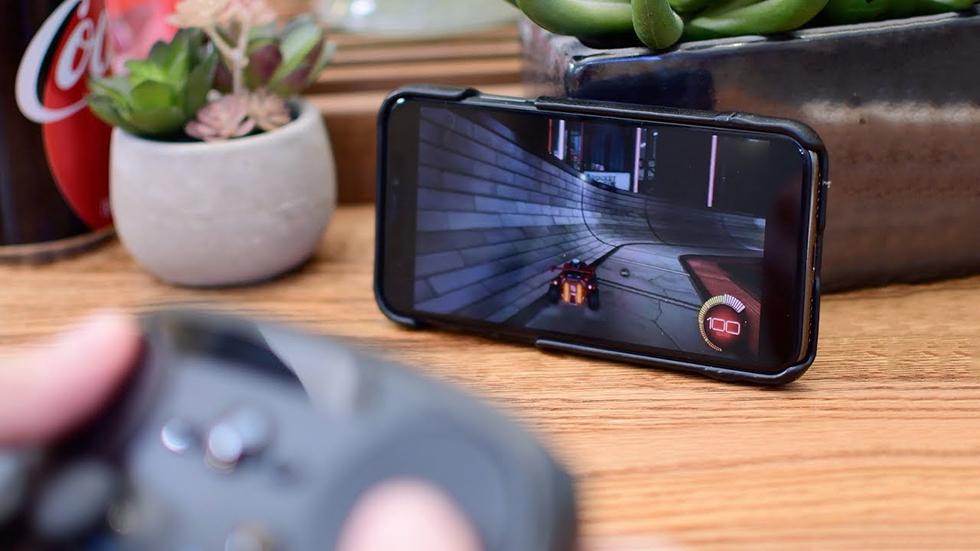 НаiPhone иiPad теперь можно играть влюбые игры изSteam