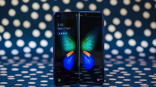Старт продаж складного Samsung Galaxy Fold отложили
