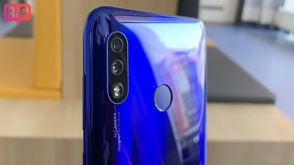 В России стартовали продажи смартфонов Hisense H30 и H30 Lite