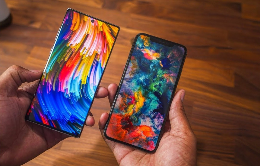 Note 10+ vs iPhone XS Max