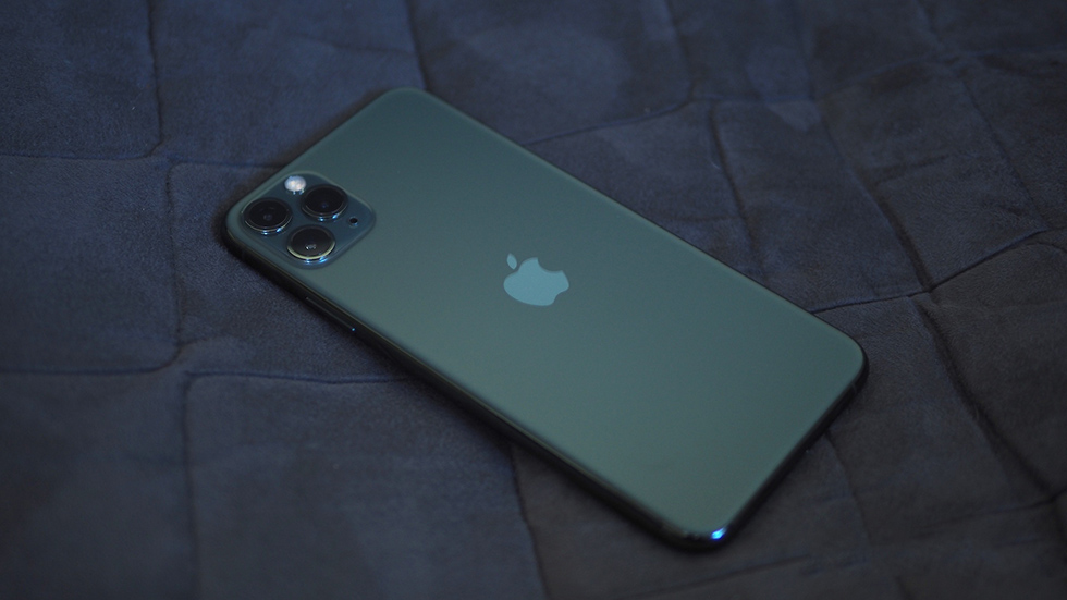 Купил iPhone 11Pro за90тысяч. Аоннеобновляется
