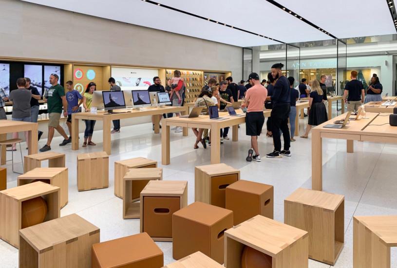 Интерьер Apple Store в Луисвилле