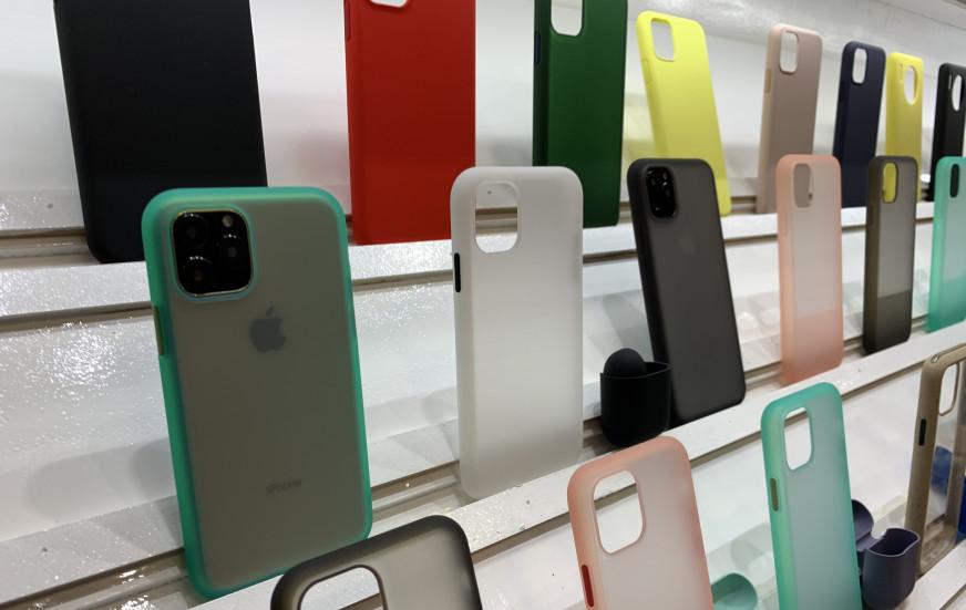 Чехлы для новых iPhone 11 уже завезли в Walmart